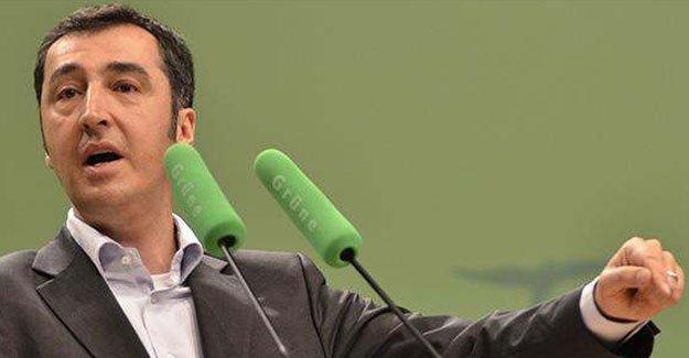 Yeşiller Eşbaşkanı: Türkiye kendi halkına karşı savaş yürütüyor