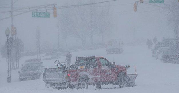 ABD'de kar fırtınasının bilançosu artıyor