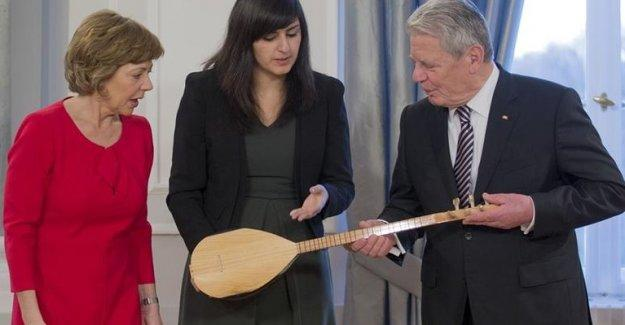 Alevilerden Almanya Cumhurbaşkanına Noel hediyesi