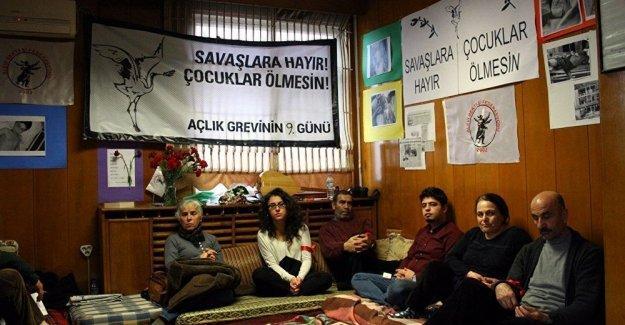 Alevilerin açlık grevi 10. gününde: Doğu'da yaşananlara Batı'dan ses veriyoruz