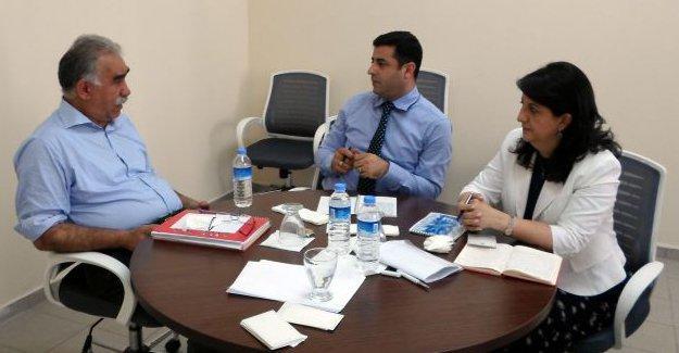 Amed Dicle tutanakları yazdı: Öcalan ve devlet arasında neler konuşuldu?