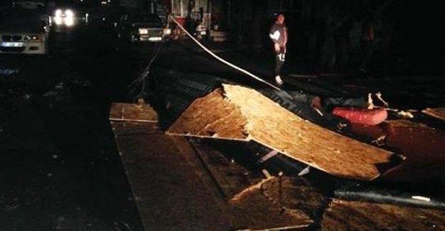 Antalya'da fırtına: Öğrenci yurdunun çatısını uçtu, 5 yaralı