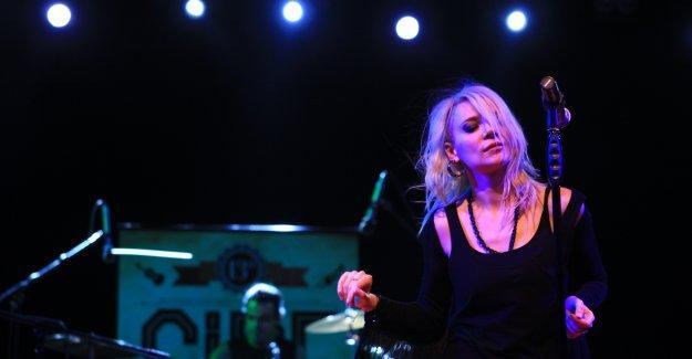 Aylin Aslım yazdı: Türkiye'deki konserlerde neler oluyor, seyirciler müzik dinlemek dışında neler yapıyor?