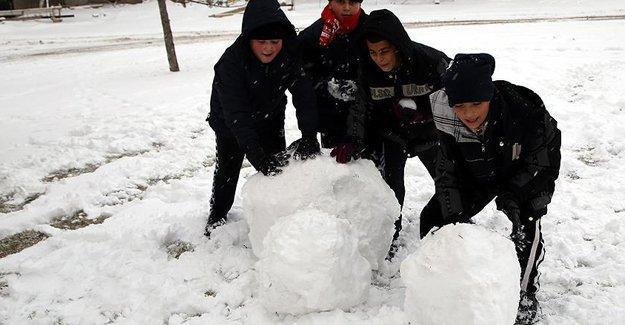 Kars'ta kar nedeniyle okullar gecikmeli açılacak