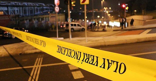 Beşiktaş'ta 'canlı bomba' olduğu iddiasıyla polisin vurduğu kişinin çantasından bomba çıkmadı