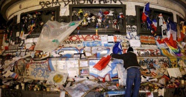 Charlie Hebdo'nun özel sayısı yok sattı