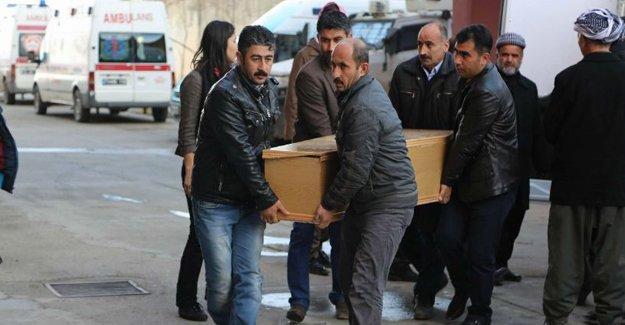 Cizre'de öldürülen 5 kişinin cenazesi Şırnak'a götürüldü
