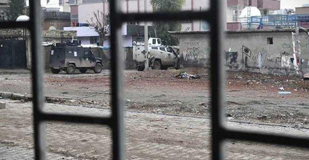 Cizre'de yaralıları almak isteyen ambulans 4'üncü kez engellendi