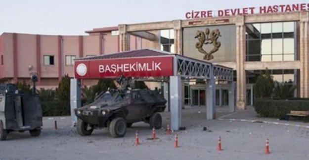 Cizre'de ambulanslar emniyet binasına çekildi