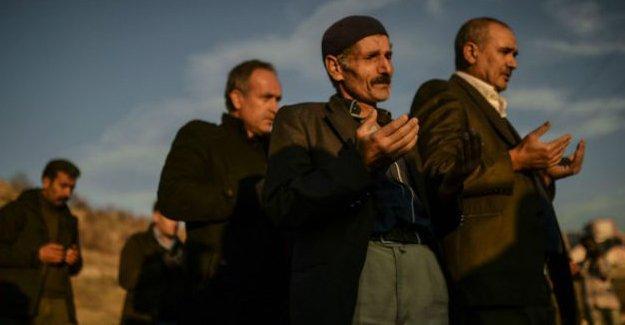 Cizre'de oğlu Cihan'ı defnedemeyen baba: Bize ölüm de mi yasak?