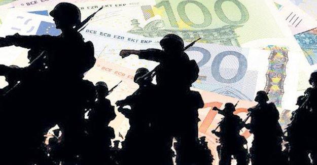 Dövizli askerliği bin euro'ya indiren yasa onaylandı