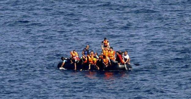 Ege'de mülteci botu battı: En az 18 ölü