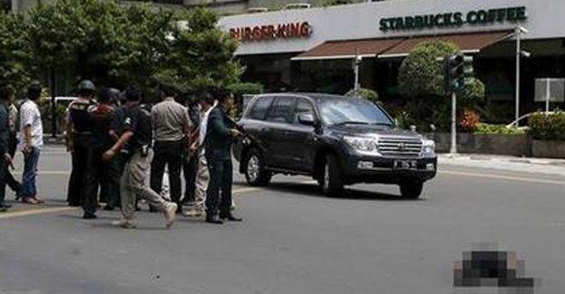 Endonezya'da bombalı saldırı