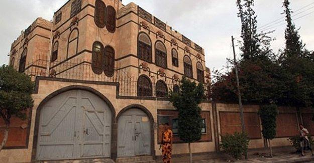 İran elçiliği bir kez daha vuruldu