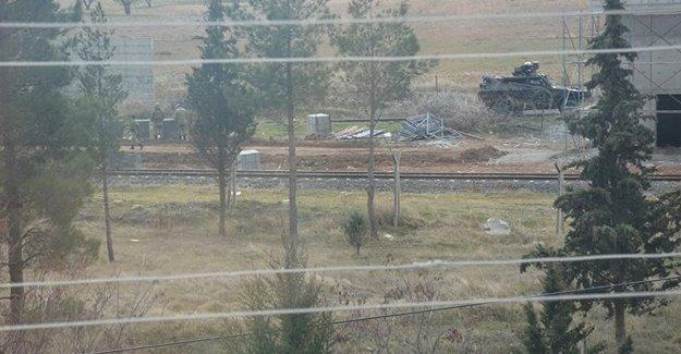 IŞİD'liler sınırda askere ateş açtı