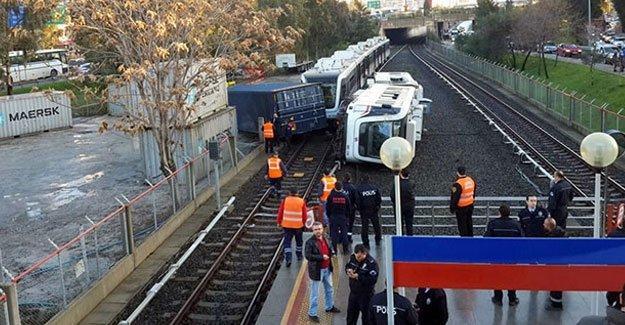 İzmir metrosunda kaza; çok sayıda yaralı var