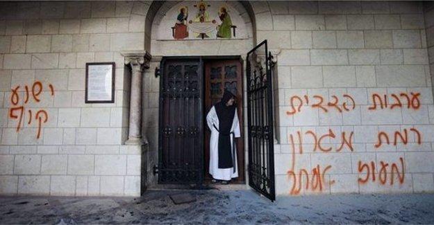 Kudüs'te Hristiyanlara ait mekanlara saldırgan yazılar