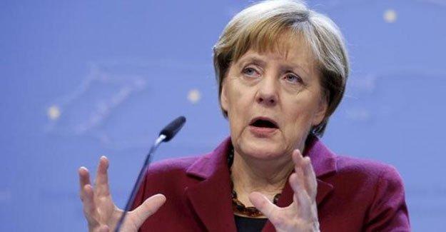 Merkel: Vatandaşlarımız İstanbul gezilerinden geriye gelemeyecekler