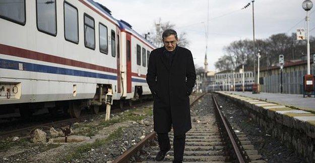 Orhan Pamuk: Başkanlık sistemi gibi bir şey yaşıyoruz