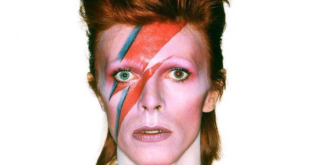 Rock müziğin efsane ismi David Bowie hayatını kaybetti