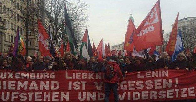Rosa Lüksemburg ve Karl Liebknecht anısına Berlin'de yürüyüş