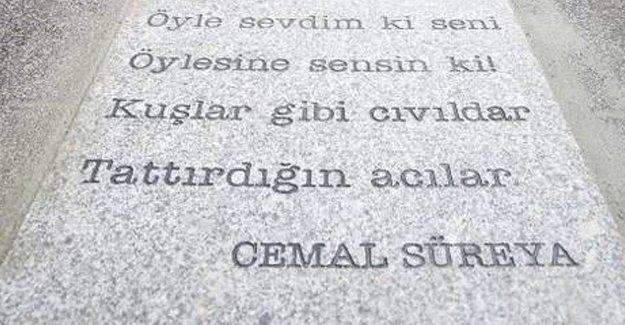 Şiir sokakta Cemal Süreya'nın dizeleri Kadıköy'de