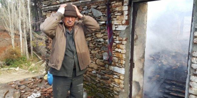 Şömineden çıkan yangın, yaşlı çifti evsiz bıraktı