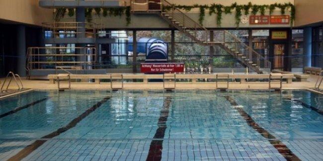 Taciz şikayetleri arttı, erkek sığınmacıların havuza girmesi yasaklandı
