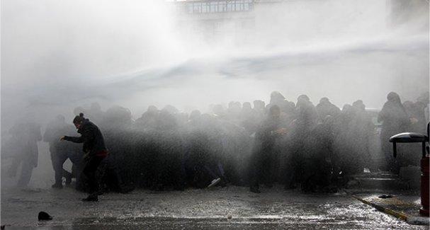 Van'da operasyon protestosuna müdahale