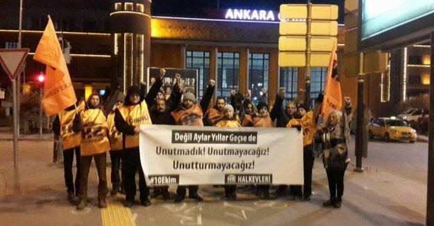 Yeni yıla girerken Ankara Garı önünde anma: Yıllar geçse de unutturmayacağız