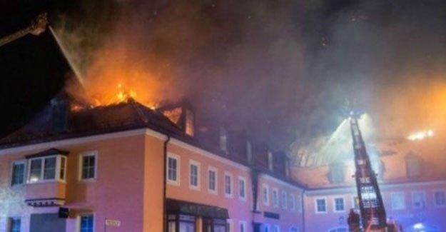 Alman polisi: Mülteci yurdunda çıkan yangını sevinç çığlıklarıyla izlediler