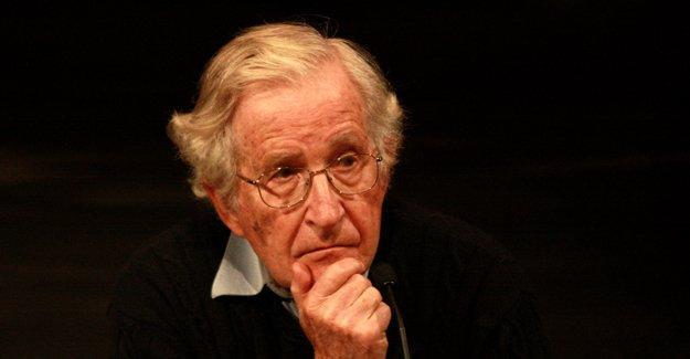 Chomsky: Türkiye, IŞİD'den farkı olmayan El Nusra'ya destek veriyor