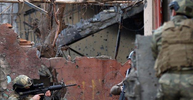 Cizre'de çatışma: 1 asker ve 1 polis yaşamını yitirdi