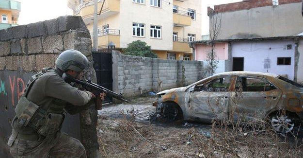Cizre'de sokak ortasında 4 cenaze daha bulundu