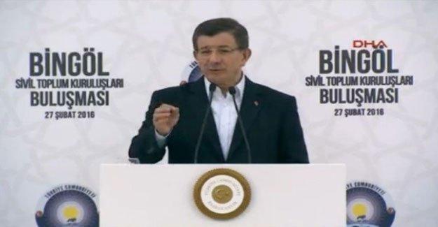 Davutoğlu: HDP, Ermeni çeteler gibi Rusya ile işbirliği yapıyor