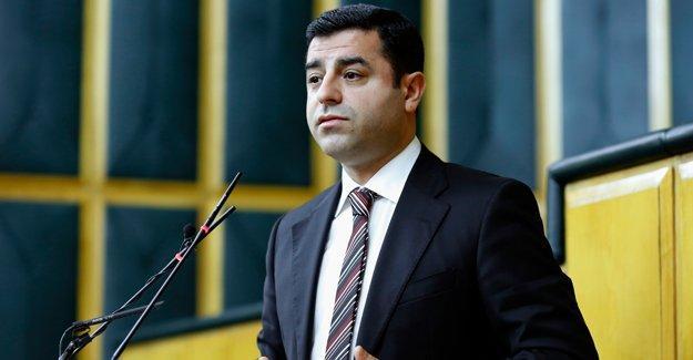 Demirtaş'tan Davutoğlu'na 'kınama bildirgesi' yanıtı