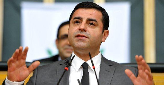 Demirtaş'tan Davutoğlu'na: En zalim, en gerici, en katliamcı başbakanı