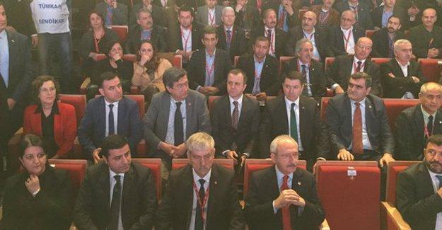 DİSK Genel Kurulu'nda Bakan Soylu protestolar üzerine salonu terk etti