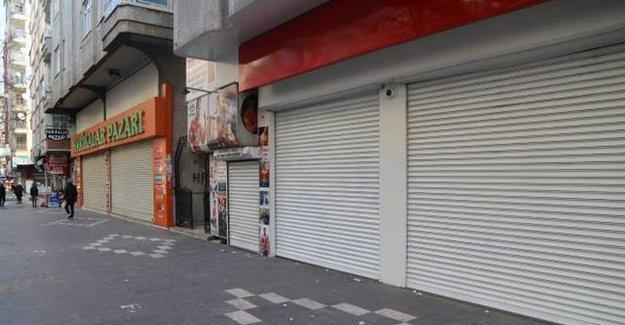 Diyarbakır ve Dersim'de kepenkler kapalı