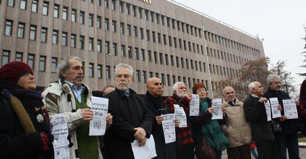 Dündar ve Gül'e destek için kendileri hakkında suç duyurusunda bulundular