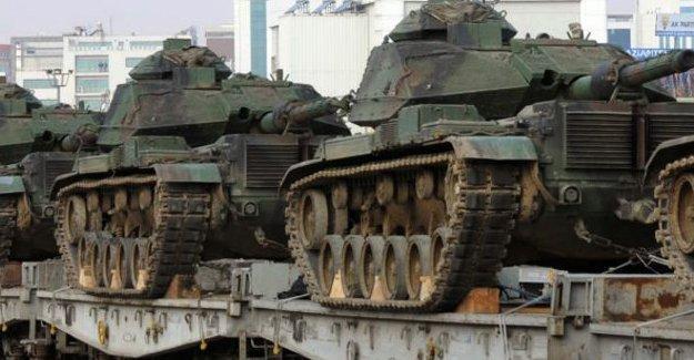 FT: Türkiye ve Suudi Arabistan, Suriye'de müdahaleyi tartışıyor