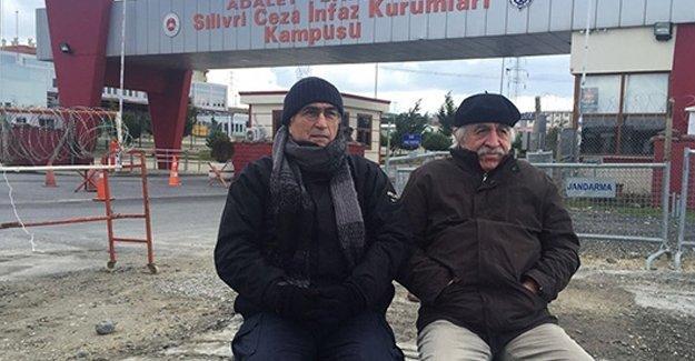Hasan Cemal ve Cengiz Çandar 'Umut Nöbeti'nde