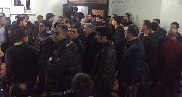 İmam AKP propagandası yapınca cami boşaldı