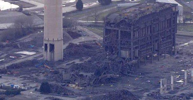 İngiltere'de elektrik santralinde patlama