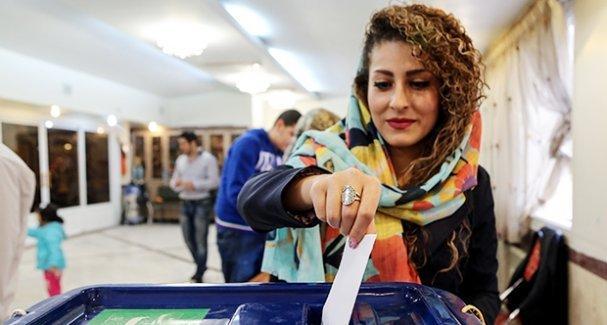 İran'da parlamento seçimlerinin ikinci turunu 'reformcular' kazandı