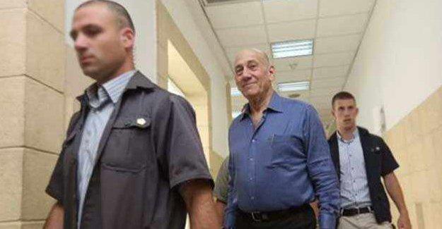 İsrail eski başbakan Olmert hapiste
