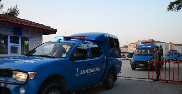 İzmir'de jandarma komutanlığına roketatarlı saldırı