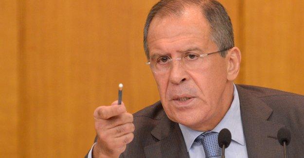 Lavrov: Türkiye'den Suriye'ye 'insani yardım' konvoylarıyla silah gönderiliyor
