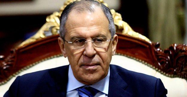 Lavrov: Türkiye-Suriye sınırındaki kaçakçılık militanların beslenmesini sağlıyor