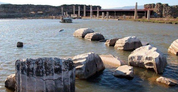 Magnesia Antik Kenti sulara gömüldü